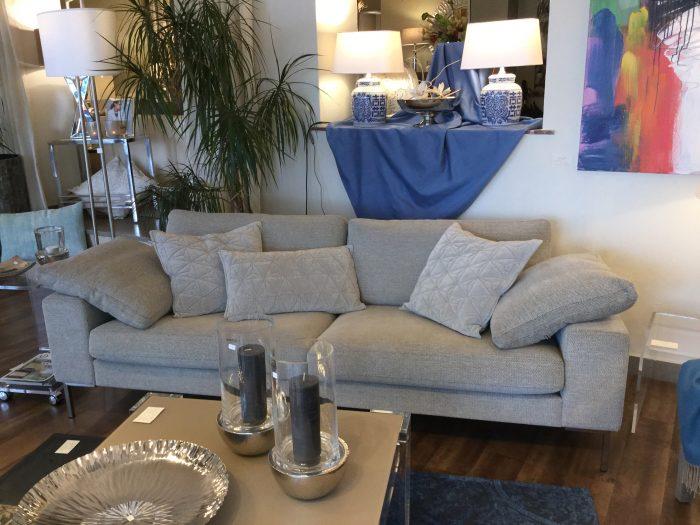 Sofa zweisitzer hellgrau