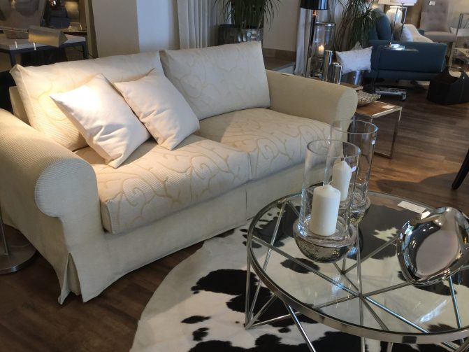 Zweisitzer Sofa mit Muster Stoff in hellbeige - Schrader Möbel Paderborn