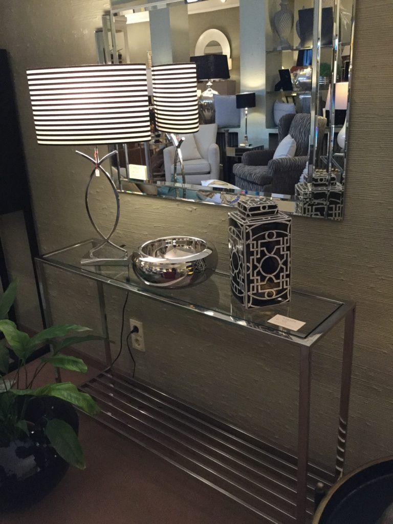 Sideboard Metall glänzend Glasplatte